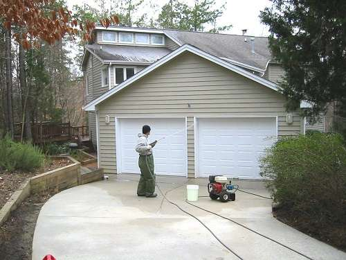 Cleaning Garage With Gas Pressure Washer